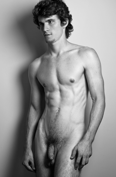 Nude celebrity guy — pic 11